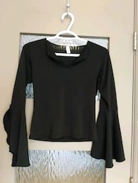 Women's black shirt with wide sleeves size small
