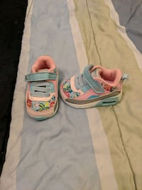 Girl infant size 2 shoes - like new  Surrey, V3T 2Z4