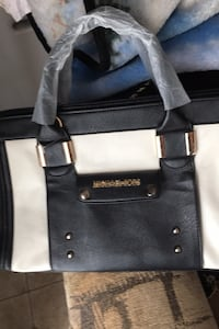 Brand new Michael Kors Retails for 132. Price is Firm Brant