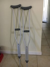 pair of gray underarm crutches Germantown, 20874