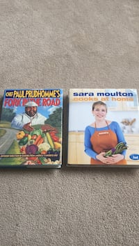 Set of two popular cookbooks by great chefs  11 km