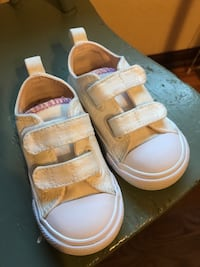 Kids converse size 6 Windsor, 80550