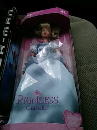 Cinderella collectible Clifton, 20124