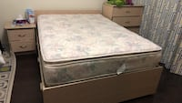 beautiful bed and night table for sale Brampton, L7C 3S8