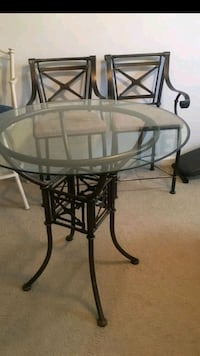 Chrome and glass table set with 4 chairs 900 mi