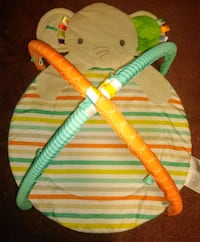 Infant/ baby items play mat, adjustable infant bath, baby tub