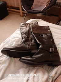 Women's size 11 boots for sale never used, new boots