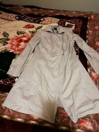 white and gray long-sleeved dress London, N6K 2X6
