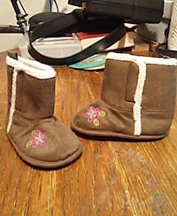 Hand sewn little girl booties Anchorage, 99508