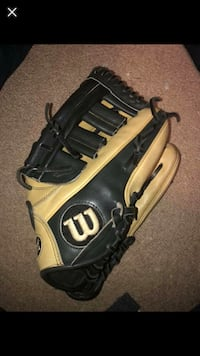 "Wilson A2000 SC-ELo 12"" right handed baseball glove Inwood, 25428"