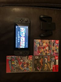 Nintendo Switch with games  Waterloo, N2V 2T3