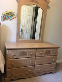 3 piece bedroom set Tiny, L9M 0T8
