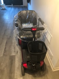 BRAND NEW GOGO 4 WHEEL SCOOTER 50% OFF