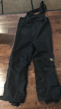 Mountain Hard Wear Gortex ski pants