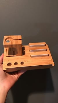 Wood Apple Watch/ device stand  Victoria, V9A 2L3