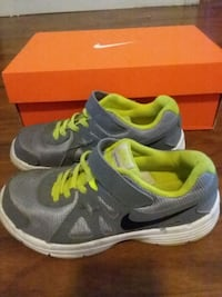 Nike evolution 2 size 2Y Gordon, 17936