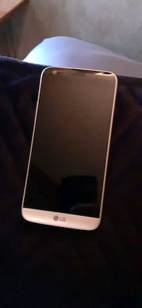 Brand new Lg android no cracks and unlocked with finger print