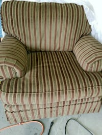 Amazing  Comfortable chair comes with ottoman with Union