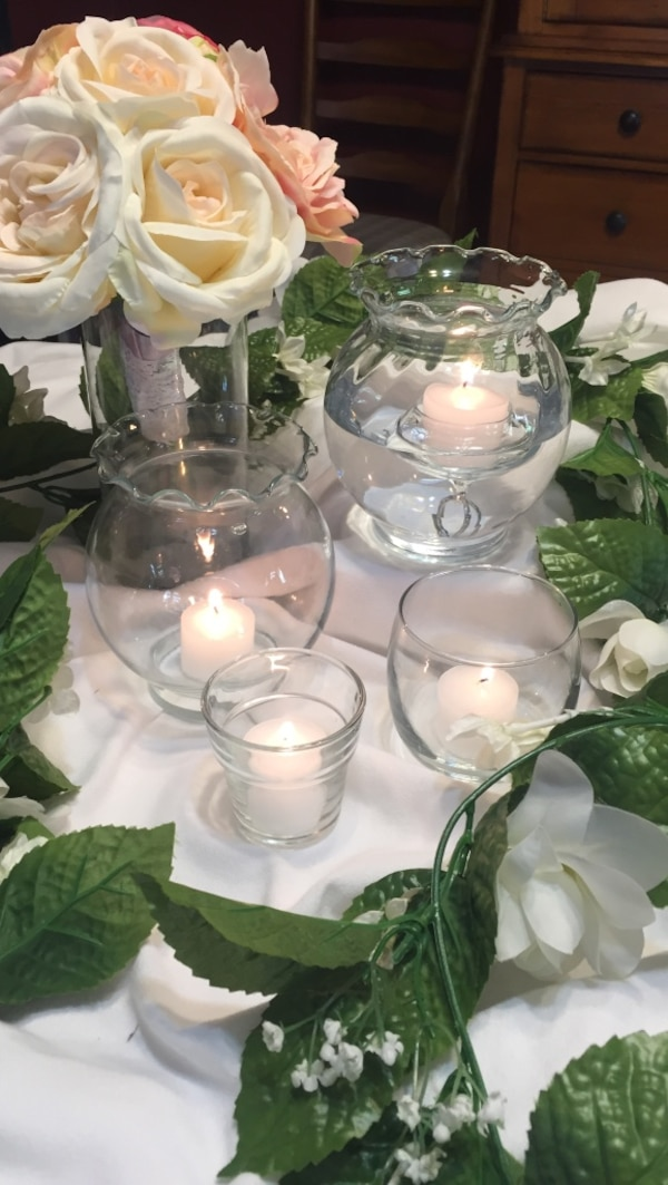 Used Fish Bowls 25 Each Floating Candle Cups 100 Box Of Six