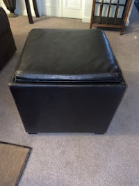 Storage and table tray ottoman