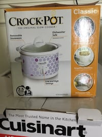 Crockpot 2.5 qt white purple blue new in box Gainesville, 20155