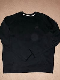 Black Nike tech fleece crew neck Surrey, V3X 0G8