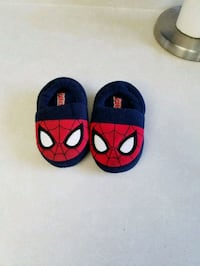 Spider-Man ultimate slippers size 5/6 kids Colton, 92324