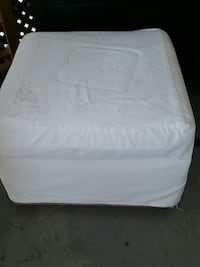 white and gray floral mattress Longueuil, J4K 2W6