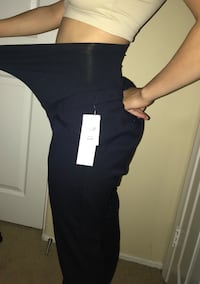 Motherhood fitted bootcut maternity pants size small  Lancaster, 93535