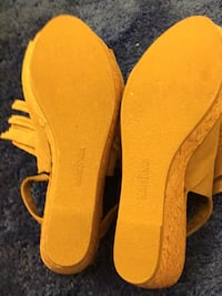 pair of yellow leather open-toe sandals Lake Forest, 92630