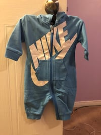 Nike brand new just worn once  Whitby, L1N 8X6