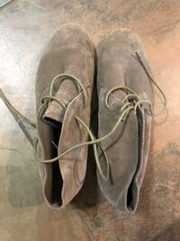 Pair of gray suede boots-Aldo woman's  London, N6P 1P1
