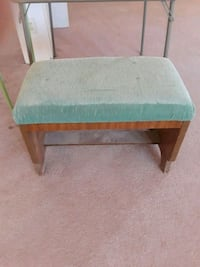 Antique bench and matching chairs Las Vegas, 89123