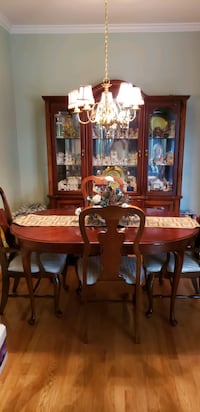 Broyhill Dining Room set w/6 chairs,China cabinet Dumfries, 22025