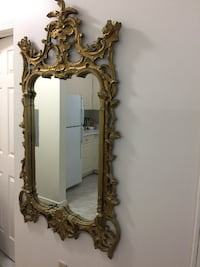 Vintage Looking Golden painted frame with Large Mirror. In a great condition. null