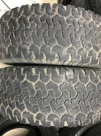 325/65r18 BFG KO pair of tires with about 40-50%. Mounting and balancing also
