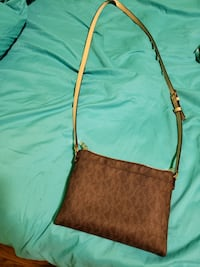 Practically new michael kordestani crossbody putse