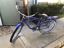Schwinn beach cruiser bike