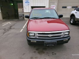 2002 Chevrolet S-10 2WD Extended Cab Base w/3rd Door