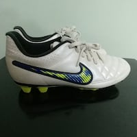 Nike soccer shoes size 7 (new) Alexandria, 22304