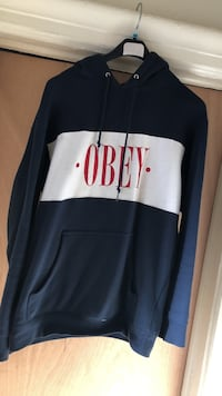 Obey pull over hoodie size small