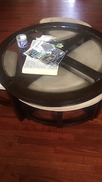 Accent table with pull out stools Fredericksburg, 22407