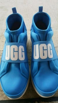 Women's UGGs  Vancouver, V5R 1G1