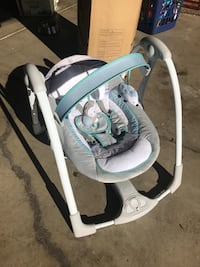 baby's white and gray swing chair Stockton, 95210