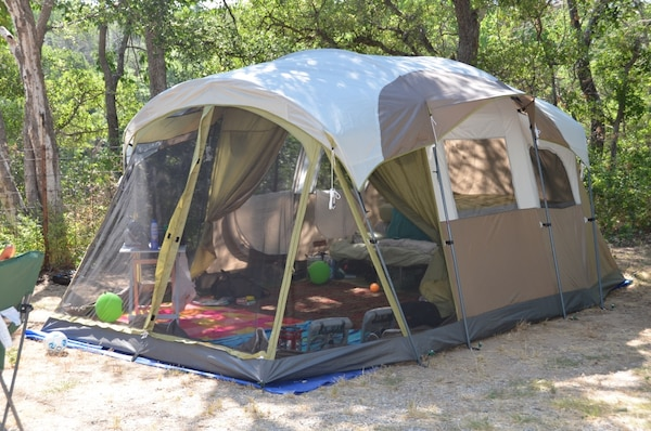 20b020a3560 Used Coleman Weathermaster 10 man Tent for sale in Coppell - letgo