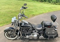 Selling my Very clean 2003 Harley Davidson Softail