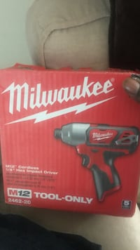 Milwaukee cordless hand drill box Silver Spring, 20904