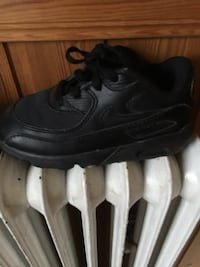 unpaired svart Nike Air Max 90 sko