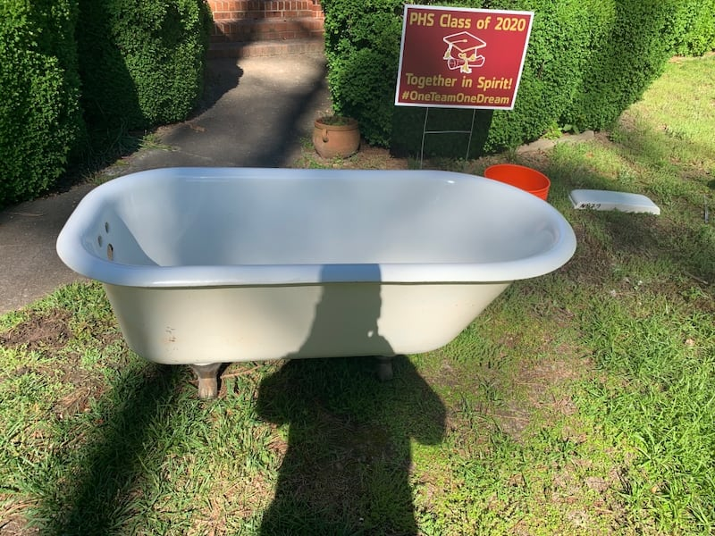 Antique Kohler clawfoot tub 495c120c-fe5e-4745-8d5b-1f8b3e7fdb61