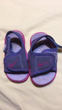 Pair of blue-and-pink sandals Riverview, 33569
